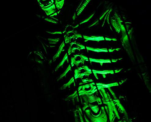kip laser game alien