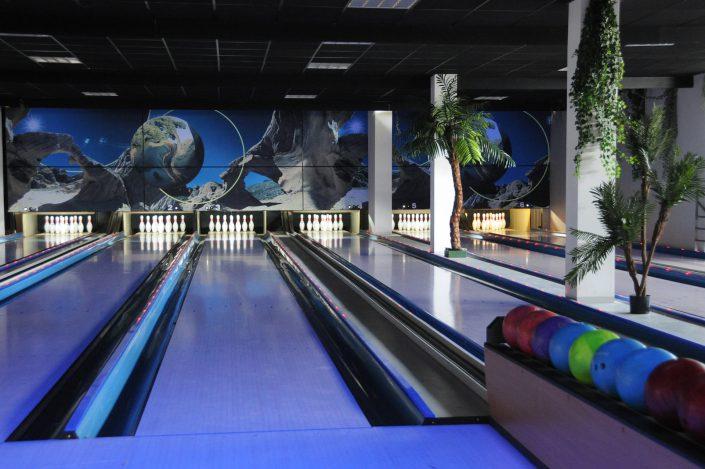 Espace dédié au bowling chez KIP Marseille