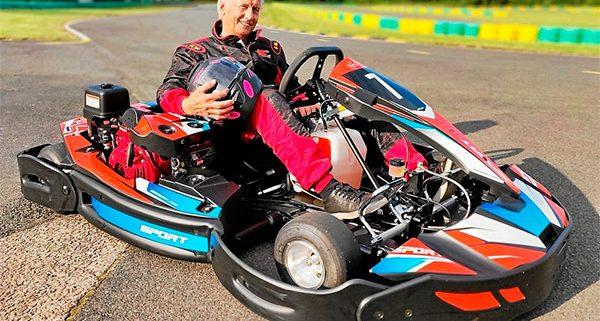 Georges pilote de karting de 85 ans